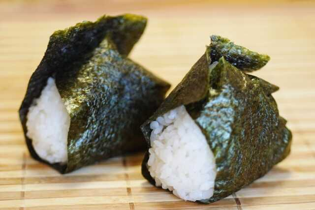 makanan terkenal di jepang onigiri