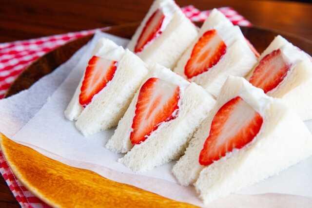Roti khas Jepang Fruits sand